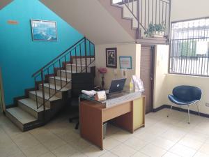 Oficina En Alquileren Guadalupe, Goicoechea, Costa Rica, CR RAH: 21-907