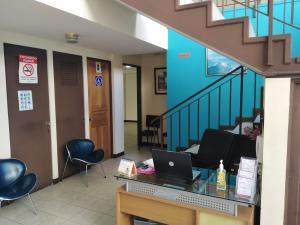 Oficina En Alquileren Guadalupe, Goicoechea, Costa Rica, CR RAH: 21-908