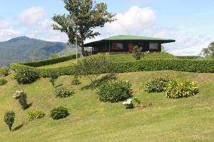 Casa En Ventaen Orosi, Paraiso, Costa Rica, CR RAH: 21-933