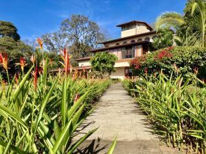 Casa En Ventaen Santa Barbara, Santa Barbara, Costa Rica, CR RAH: 21-952