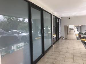 Local Comercial En Ventaen Santa Ana, Santa Ana, Costa Rica, CR RAH: 21-984