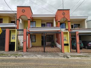 Apartamento En Alquileren Tres Rios, La Union, Costa Rica, CR RAH: 21-991