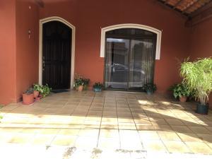Casa En Ventaen San Francisco De Heredia, Heredia, Costa Rica, CR RAH: 21-1106