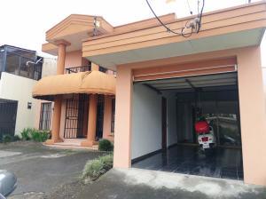 Casa En Ventaen Sabana, San Jose, Costa Rica, CR RAH: 21-1028