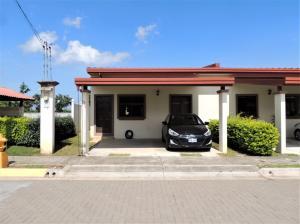 Casa En Ventaen La Guacima, Alajuela, Costa Rica, CR RAH: 21-1052