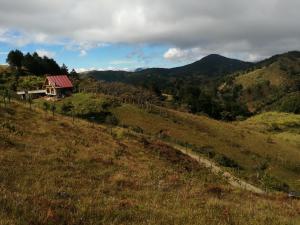 Terreno En Ventaen El Jardin, Tarrazu, Costa Rica, CR RAH: 21-1116