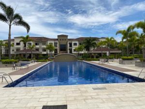 Apartamento En Alquileren Pozos, Santa Ana, Costa Rica, CR RAH: 21-1127