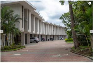 Casa En Ventaen Brasil De Santa Ana, Santa Ana, Costa Rica, CR RAH: 21-1181