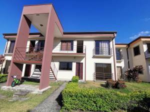 Apartamento En Alquileren La Guacima, Alajuela, Costa Rica, CR RAH: 21-1188