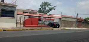 Casa En Ventaen Heredia Centro, Heredia, Costa Rica, CR RAH: 20-1652