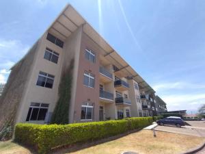 Apartamento En Ventaen Santa Ana, Santa Ana, Costa Rica, CR RAH: 21-1209