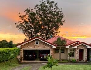Casa En Ventaen San Isidro, Grecia, Costa Rica, CR RAH: 21-1212