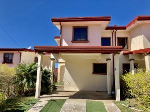 Casa En Ventaen Desamparados, Alajuela, Costa Rica, CR RAH: 21-1232