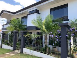Casa En Ventaen Alajuela Centro, Alajuela, Costa Rica, CR RAH: 21-1273