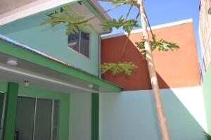 Casa En Ventaen Pozos, Santa Ana, Costa Rica, CR RAH: 21-1274