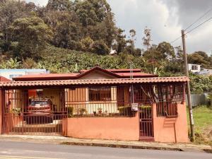 Casa En Ventaen San Pablo, Leon Cortes, Costa Rica, CR RAH: 21-1299