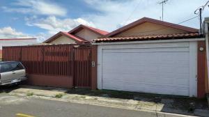 Casa En Ventaen Mercedes Norte, Barva, Costa Rica, CR RAH: 21-1304