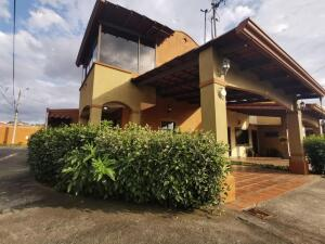 Casa En Ventaen Mercedes Sur, Heredia, Costa Rica, CR RAH: 21-1306