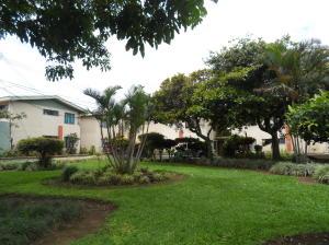Apartamento En Ventaen Sabanilla, Montes De Oca, Costa Rica, CR RAH: 21-1315