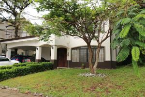 Casa En Ventaen Santa Ana, Santa Ana, Costa Rica, CR RAH: 21-1327