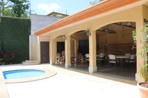 Casa En Ventaen Brasil De Santa Ana, Mora, Costa Rica, CR RAH: 21-1334