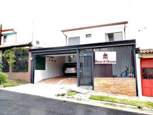Casa En Ventaen Guadalupe, Goicoechea, Costa Rica, CR RAH: 21-1380