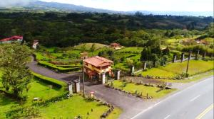 Hotel En Ventaen San Jeronimo, Moravia, Costa Rica, CR RAH: 21-1386