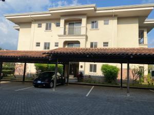 Apartamento En Alquileren San Antonio, Belen, Costa Rica, CR RAH: 21-1412