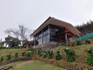 Local Comercial En Alquileren Las Nubes, Vazquez De Coronado, Costa Rica, CR RAH: 21-1420