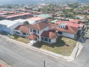 Casa En Ventaen Palmares, Palmares, Costa Rica, CR RAH: 21-1428