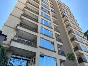 Apartamento En Alquileren Sabana, San Jose, Costa Rica, CR RAH: 21-1434