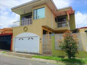 Casa En Ventaen Barva De Heredia, Barva, Costa Rica, CR RAH: 21-1447