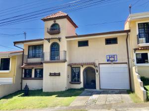 Casa En Ventaen Barva De Heredia, Barva, Costa Rica, CR RAH: 21-1490