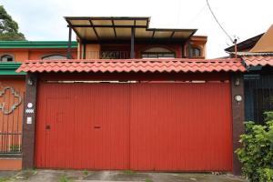 Casa En Ventaen San Antonio, Desamparados, Costa Rica, CR RAH: 21-1497
