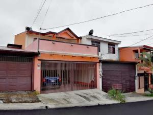 Casa En Ventaen Ulloa, Heredia, Costa Rica, CR RAH: 21-1511