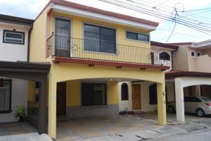 Casa En Ventaen San Antonio, Desamparados, Costa Rica, CR RAH: 21-1520