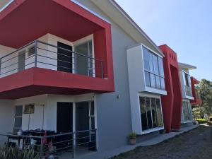 Apartamento En Alquileren Pozos, Santa Ana, Costa Rica, CR RAH: 21-1525