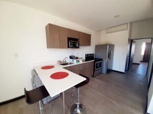 Apartamento En Alquileren Santa Ana, Santa Ana, Costa Rica, CR RAH: 21-1530