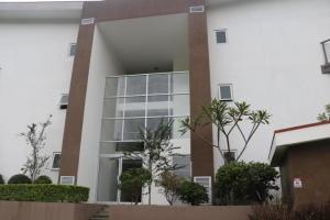 Apartamento En Alquileren Rio Oro, Santa Ana, Costa Rica, CR RAH: 21-1551