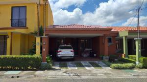 Casa En Alquileren Sabanilla, Montes De Oca, Costa Rica, CR RAH: 21-1574