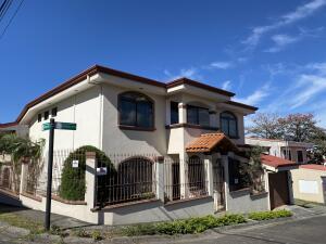 Casa En Ventaen Pavas, San Jose, Costa Rica, CR RAH: 21-1595