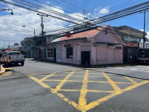 Local Comercial En Alquileren Heredia Centro, Heredia, Costa Rica, CR RAH: 21-1603