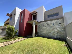 Casa En Ventaen La Garita, Alajuela, Costa Rica, CR RAH: 21-1625