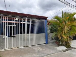 Casa En Ventaen Moravia, Moravia, Costa Rica, CR RAH: 21-623