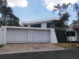 Casa En Ventaen Rohrmoser, San Jose, Costa Rica, CR RAH: 22-264