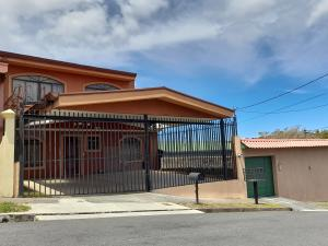 Casa En Ventaen Moravia, Moravia, Costa Rica, CR RAH: 21-877