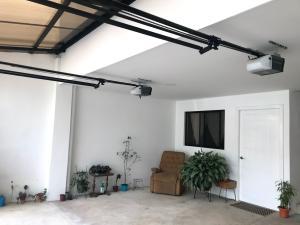 Apartamento En Alquileren Pozos, Santa Ana, Costa Rica, CR RAH: 21-1685