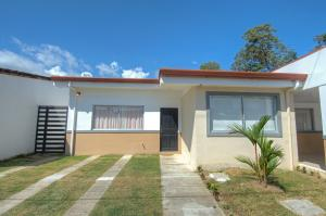 Casa En Ventaen Puntarenas, Parrita, Costa Rica, CR RAH: 21-1835
