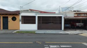 Casa En Ventaen Curridabat, Curridabat, Costa Rica, CR RAH: 21-1703
