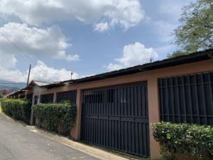 Casa En Ventaen Santa Ana, Santa Ana, Costa Rica, CR RAH: 21-1704